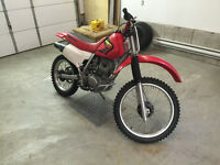 2002 Honda XR200 Enduro Motocross Dirtbike Clean!