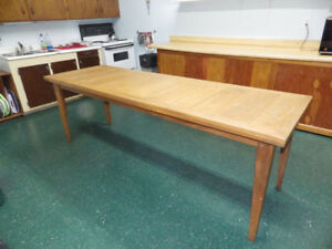 KITCHEN TABLES & CABINET