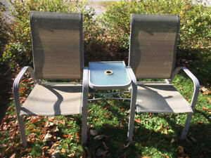 Patio double chair set with attached table