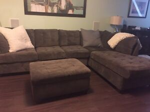 Large sectional with chaise lounge and ottomen Peterborough Peterborough Area image 3