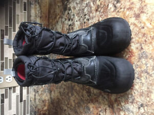 Boys The North Face winter boots.