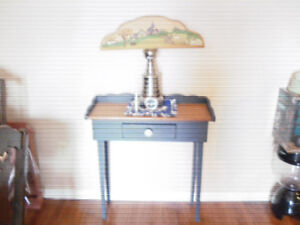 FOR SALE HALL TABLE WITH WOODEN PLACQUE