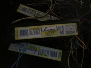 Lot of 3 fluorescent ballasts R-2S40-1-TP BRAND NEW