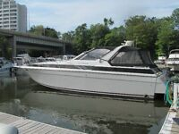 Beautiful, well cared for 43' Chris-Craft Powerboat
