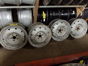 4 RIMS SUBARU 16'' 5 X 100-- 120$