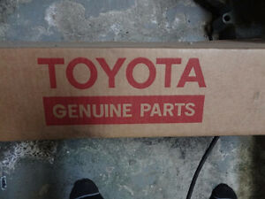 TOYOTA OEM 04-10 Sienna Wiper-Front Transmission 85150AE010