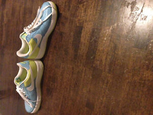 Nike Air Force 1 Shoes Mint Condition London Ontario image 2