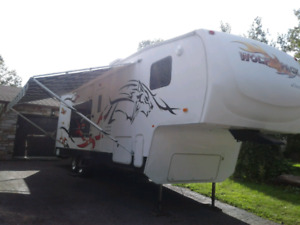 Roulotte fifth wheel  toy hauler cargo