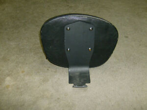 YAMAHA 650 VSTAR DRIVERS BACKREST Cambridge Kitchener Area image 1
