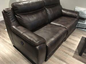 Novo Power Reclining couch 1800$ like new