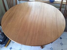 Circular Dining Room Table / Kitchen Table Extendable With 4 Chairs bargain