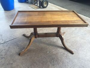 Duncan Phyfe style coffee table