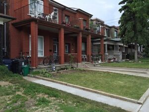 4 bdrm 1900sqf - ANNEX little Italy renovated close to UofT