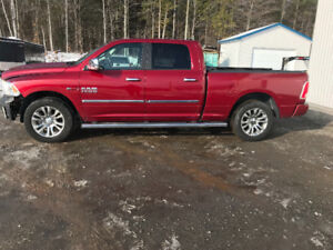 2014 Ram 1500 Limited Camionnette