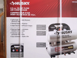 Brand New Husky Compresseur D'air 17.L / 4.6 gal. Air Compressor