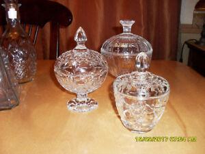 3 pots à bonbons en verre 3 glass candy dishes with lids 5$ à 7$