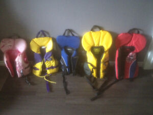5 Name-Brand Lifejackets for Children/Youth