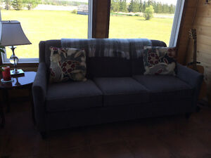 6'x3' grey comfy couch with 2 throw pillows & throw