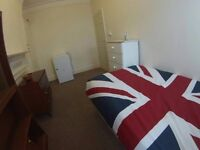 ---SINGLES 125PW, DOUBLES 150PW, 4 ROOMS, 1 HOUSE, CALL NOW MOVE TODAY!! 30 MIN TO LONDON BRIDGE---