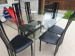 Nice dining table with 6 chairs only $50