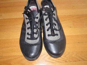 Curling Shoes Women's Size 7.5M Adidas for Right Handed