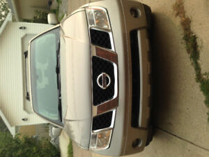 2005 Nissan Pathfinder with navi and DVD