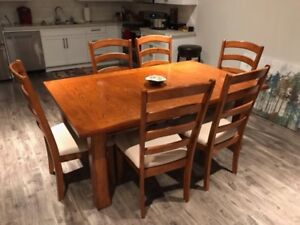 kitchen/dining room table and 6 chairs