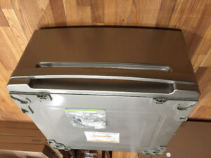 LG washer and dryer pedistals for both
