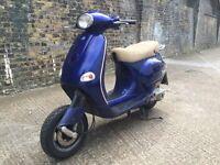 2000 Piaggio Vespa ET4 115cc learner legal 125 cc scooter. With MOT.