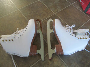 Jackson freestyle skates size 5 B with blade for jumps