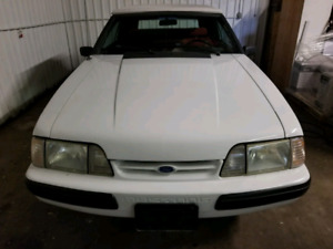 ONE OF A KIND-1990 FORD MUSTANG CONVERTIBLE (4CYL)