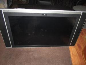"42"" LCD Plasma TV"