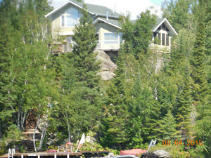 LAKE LIVING - SPECTACULAR VIEWS - PRIVATE LOCATION