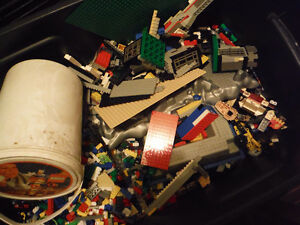 50 lbs of lego