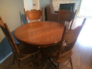 Beautiful refinished solid oak table