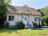 Maison style Cap Cod à vendre à Dorval