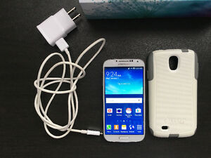 Samsung Galaxy S4 Complete Set with Otterbox in Mint Condition!