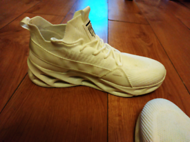 White fashion shoes, sneakers, tennis shoes for men