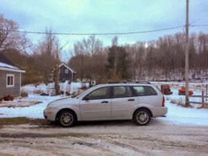 PRICE DROP, NEED GONE! – 2006 Ford Focus Station Wagon