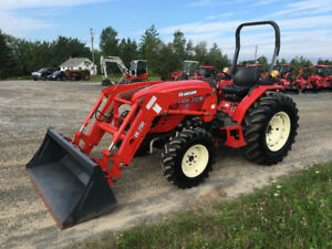 Used 31HP , 4x4 Compact tractor with Loader Model 3120R Branson