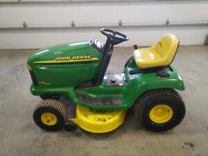 Tracteur John Deere lt133