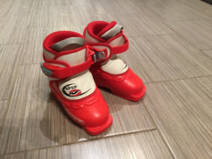 Toddler downhill ski boots 14.0