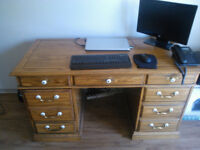Solid wood desk - Excellent shape
