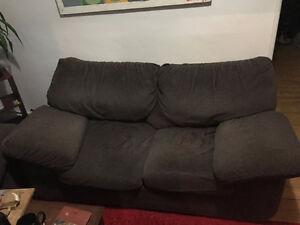 Canapé en très bon état - propre !