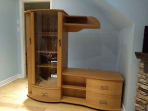 Meuble Tele a vendre/ TV Stand for sale