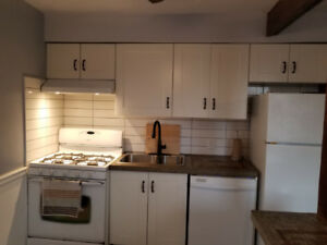 $1400 ALL INCLUSIVE 2 BEDROOM APARTMENT