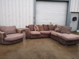 Large brown corner sofa & Swivel Armchair 🚚🚚