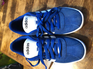 Chaussures Adidas bleues royales