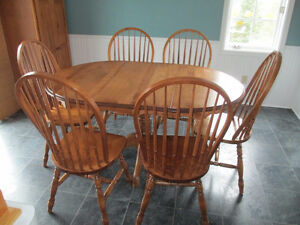 Canadian Made Pine table & 6 chairs
