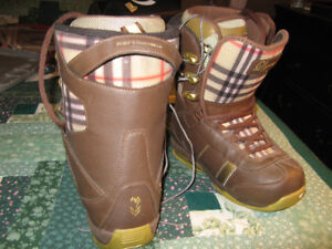 Snowboard Boots Ladies size 7.5 Northwave Legend Like New Brown